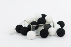 Cotton Balls Black and White 20L